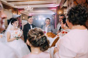 родители жениха и невесты, каравай
